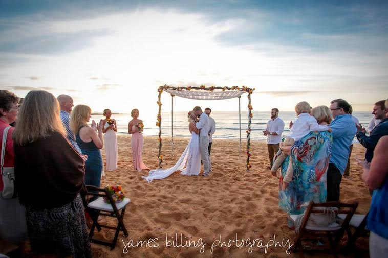 vintage beach arbour – gorgeous dawn ceremony at Curl Curl Beach