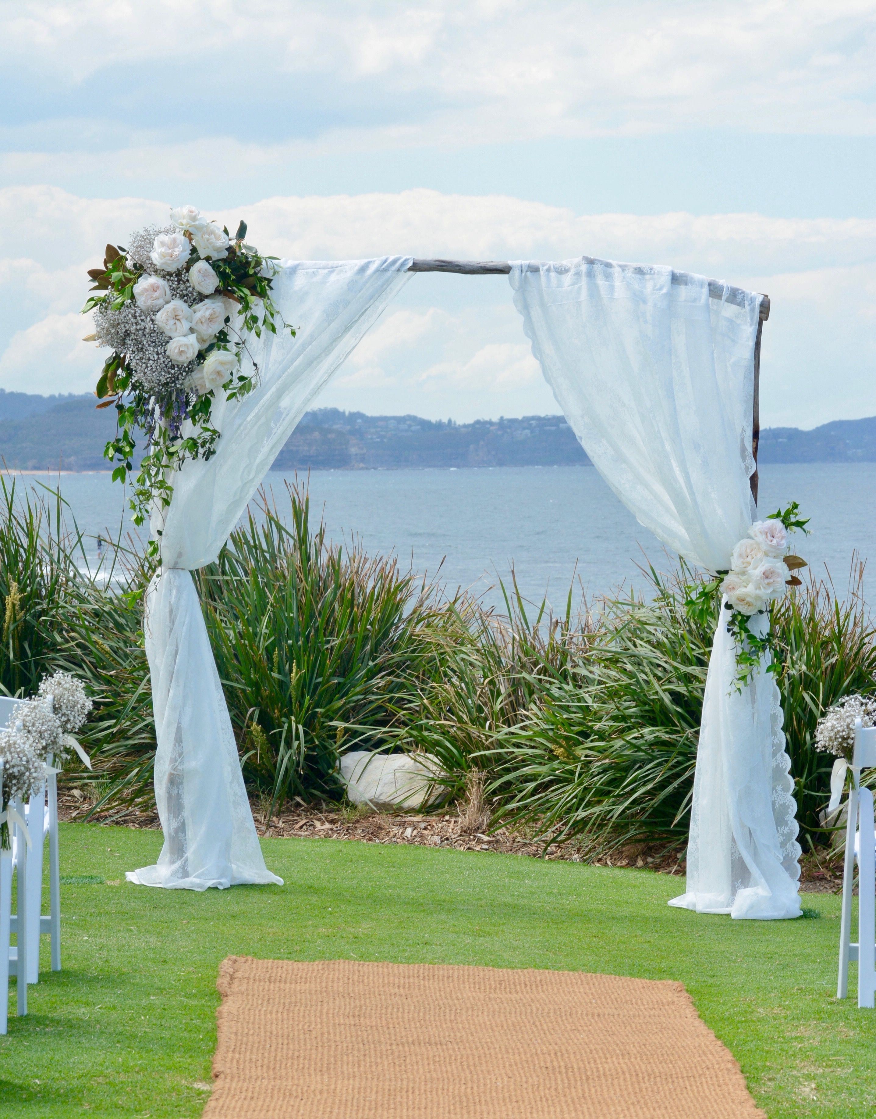 lace driftwood arch